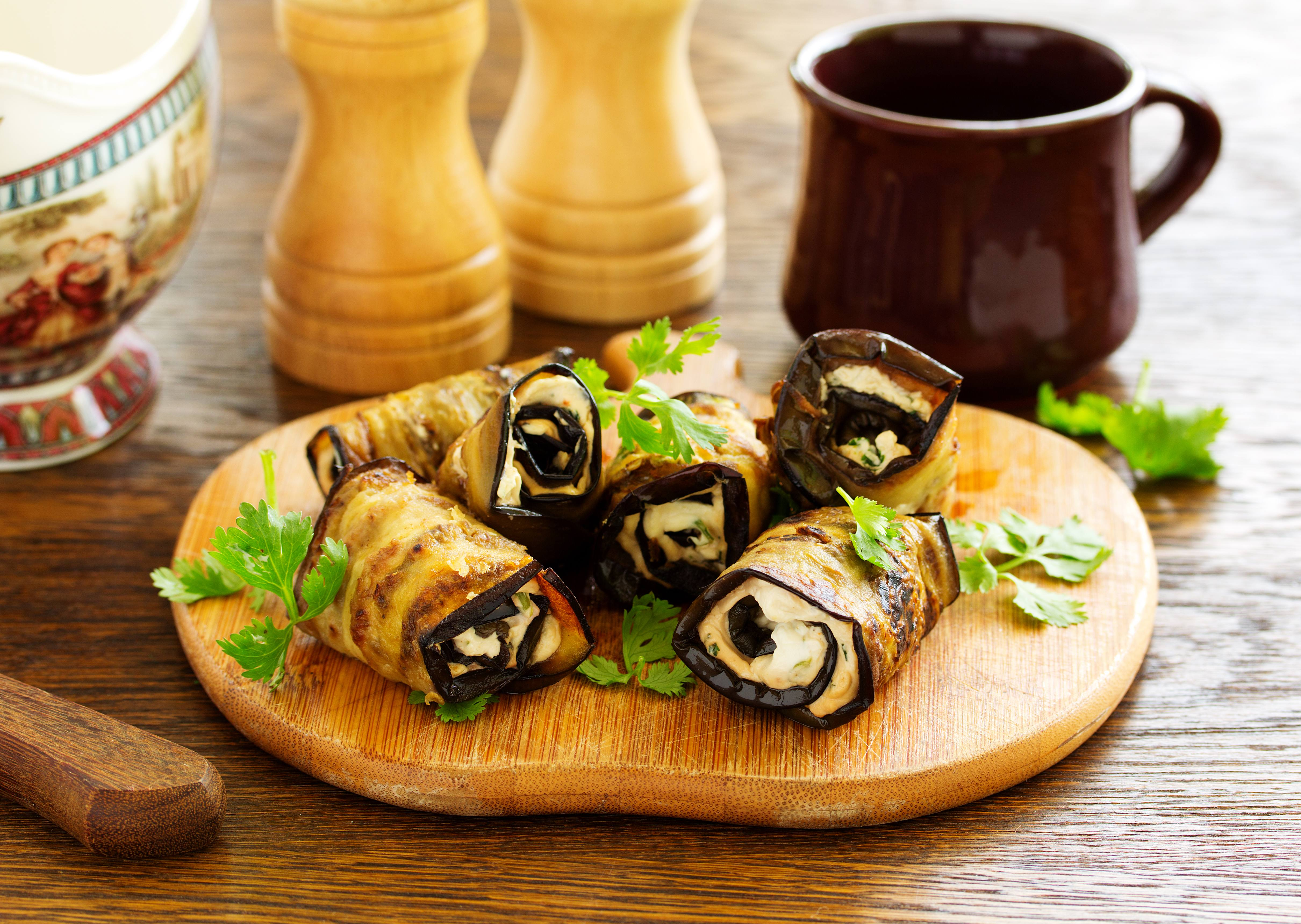 recipe image Aubergine rolls with Parmesan cheese and pine nuts
